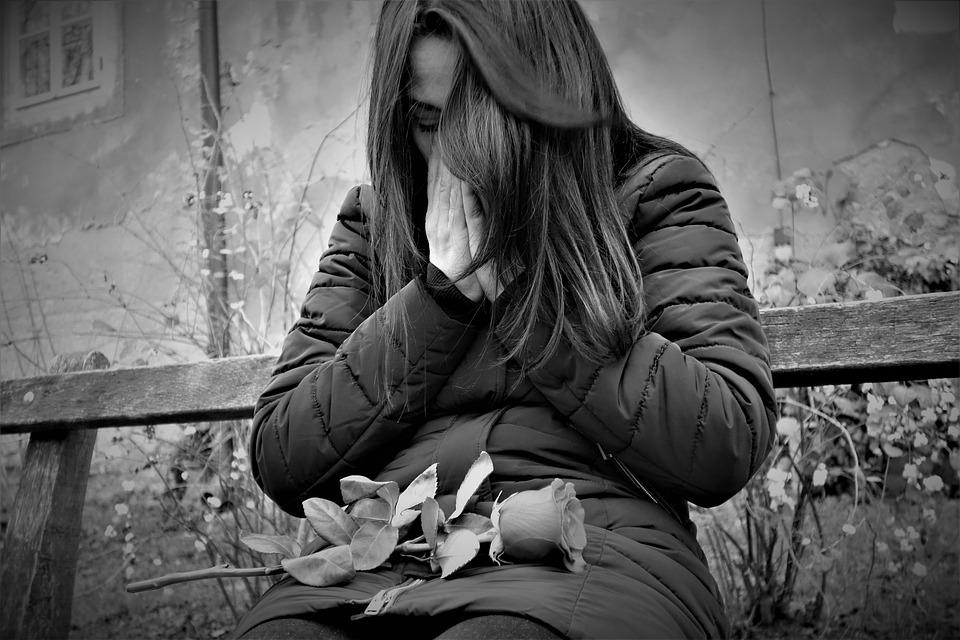 Từng bước đi qua nỗi đau mất mát người thân 1