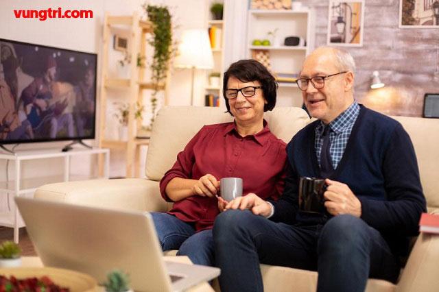 Làm thế nào để giúp những người cao tuổi sử dụng video call một cách hiệu quả? 1