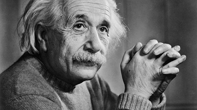 1. Albert Einstein (1879-1955) 1
