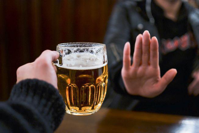 Tránh xa các chất gây nghiện và bia rượu 1