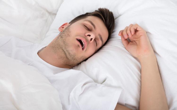 Ngủ quá nhiều hoặc quá ít 1
